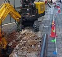 果园勾机园林工程工程室内挖沟挖机破碎机械小型机挖掘机