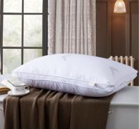 床上用品 实惠中高磨毛枕心 立体双边高弹枕芯 羽丝绒护颈枕头厂家直销
